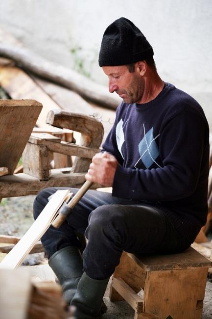 Mester in lemn