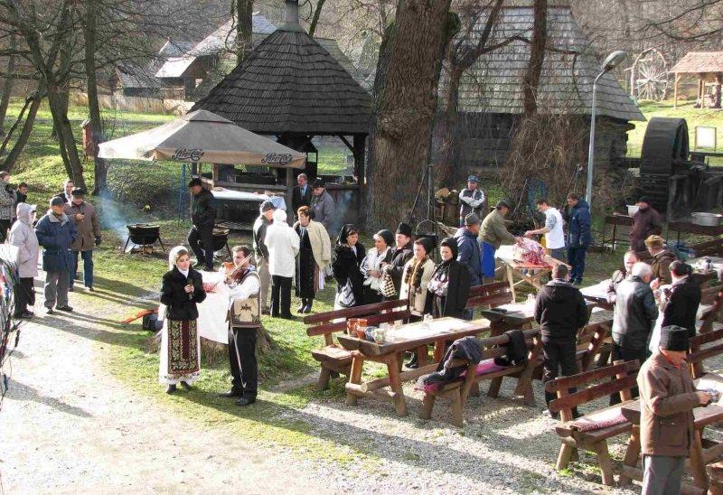 Targul de tara la Ignat la Muzeul din Dumbrava Sibiului