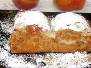 Placinta cu mere si stafide pentru perioada postului
